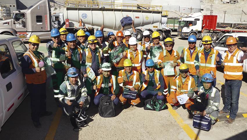 Integrantes de los talleres de mantenimiento mina también estuvieron presentes en la Semana de la Seguridad.