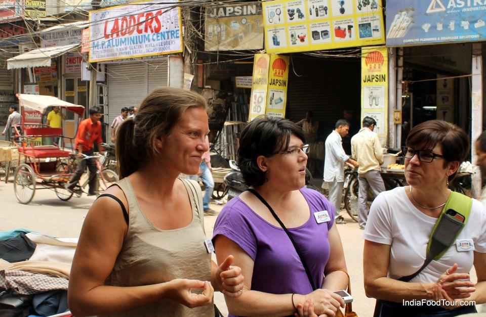 Walking in Chawari Bazaar, tasting street food