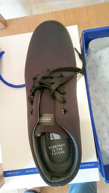 Zapatos negros veganos en Muroexe