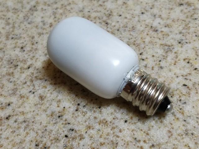 E12 LED電球 (1)