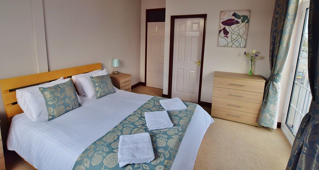 Herbert Woods Holidays - Where to stay in the Norfolk Broads? - Dragonfly apartment