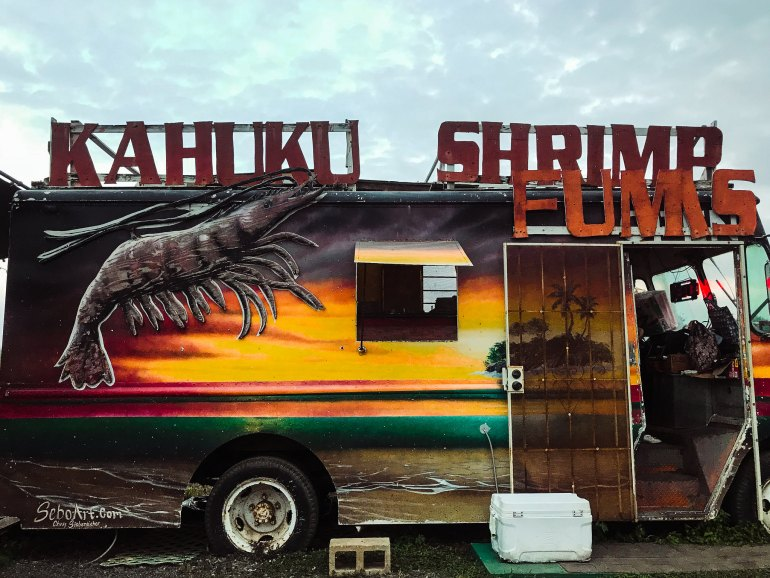 Best Shrimp Trucks on the North Shore - Haleiwa, Hawaii - Hawaii Travel Tips, North Shore Travel Tips, Haleiwa Travel Tips, Hawaii Food, Hawaii Food Places, Hawaii Shrimp Truck, Giovanni's Shrimp Truck, Giovannis Shrimp Truck, Romys Shrimp Truck, Honos Shrimp Truck, Kahuku Shrimp Truck, Fumis Shrimp Truck, Big Wave Shrimp Truck | Wanderlustyle.com
