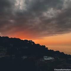 #sunrise #malaga #viveandalucia #andalucia #travel #wanderlust #guardiantravelsnaps #tourism #spain #loves_spain #travelgram #espagna #ig_spain #igtravel #viveandalucia #visitspain #exploring #bbctravel #lonelyplanet #vscocam #vsco #shotoniphone