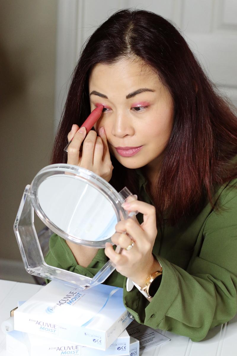 lip-cheek-crayon-red-makeup-5