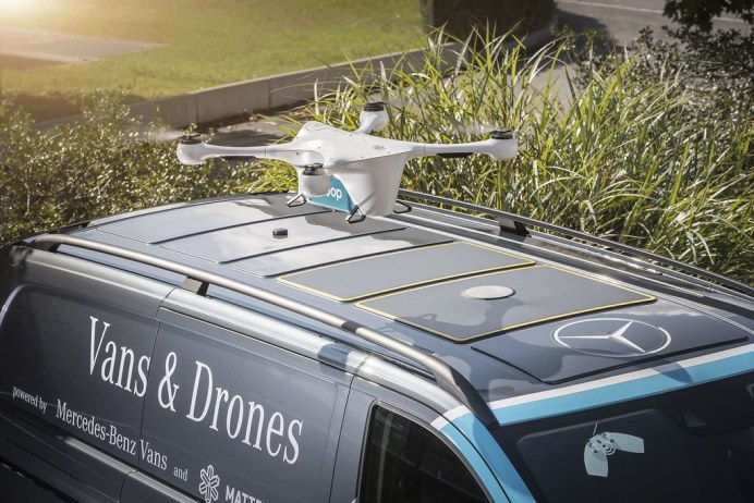 Mercedes-Vans-Drone-Delivery-9