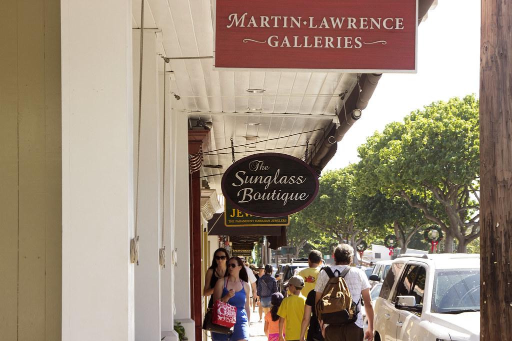 Shopping on Maui