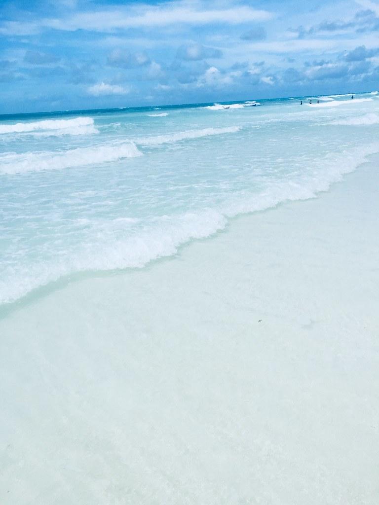Boracay-blue-water