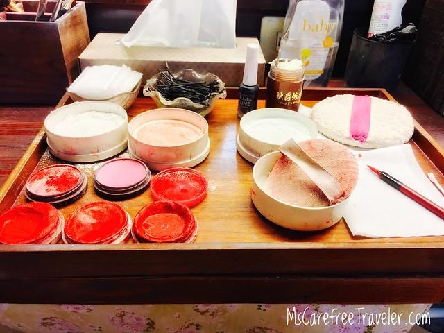 Maiko makeup tools