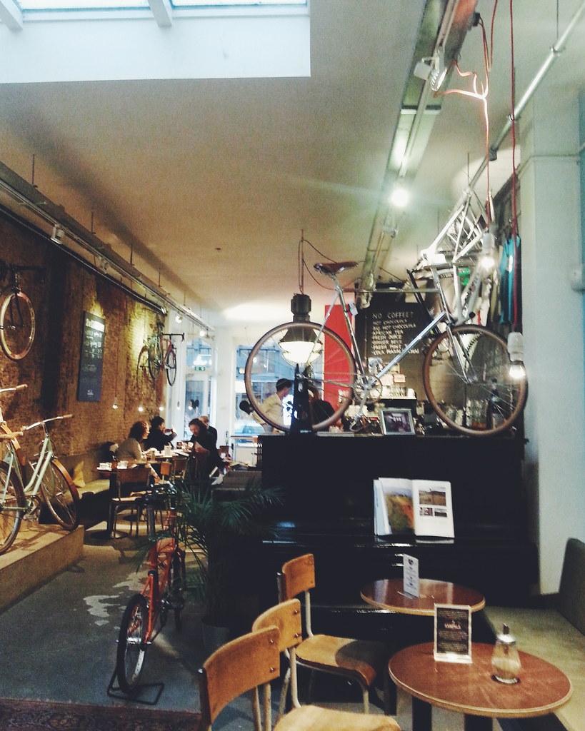 bike cafe the hague