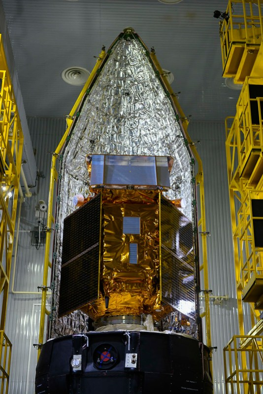 Sentinel-5P next to fairing half shell
