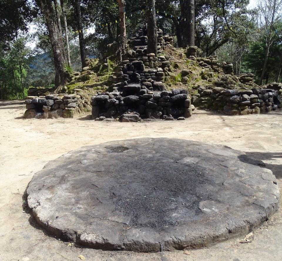Iximché Altar de Rituales Maya Guatemala 01