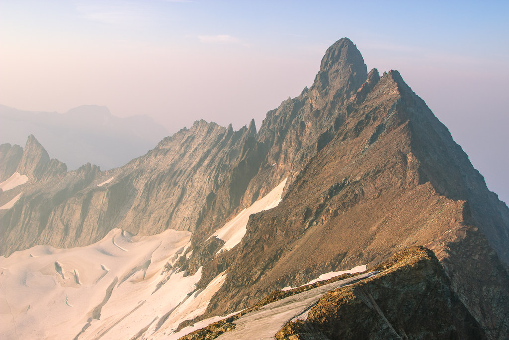 Smoky North Cascades - Boston Peak