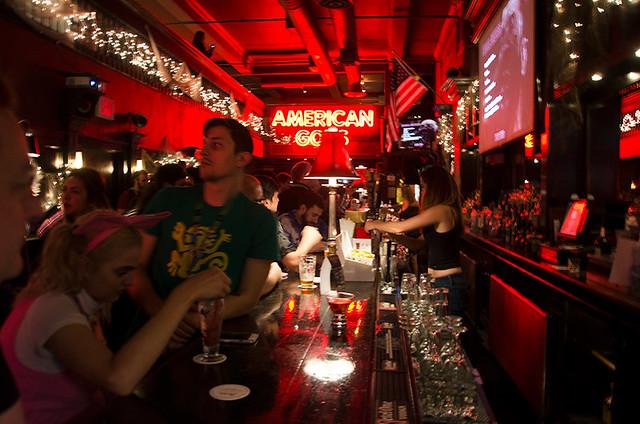 American-Gods-bar-NYCC-Oct-2017-col-pic#2