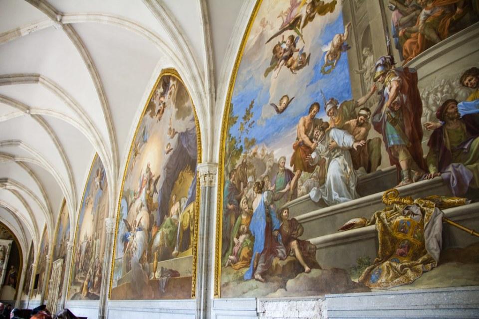 El martirio de San Eugenio de Francisco Bayeu pintura Claustro Catedral de Toledo