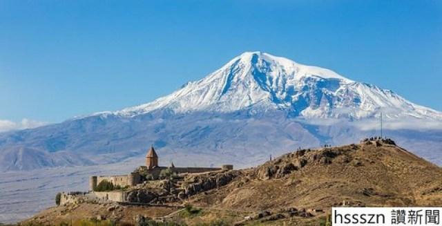Monasterio_Khor_Virap_Armenia_2016-10-01_DD_25-828x423_828_423