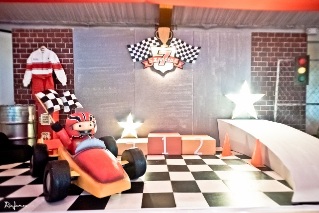 race car theme party photowall (2)