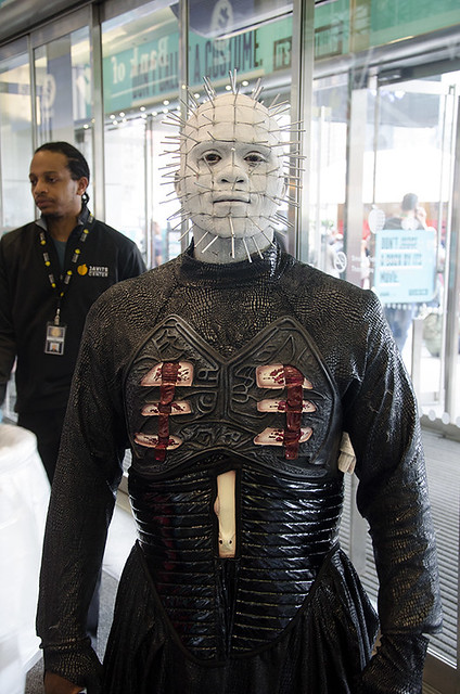 pinhead-cosplayer-NYCC-Oct-2017-col-pic#1