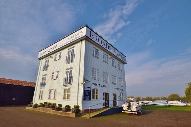 Herbert Woods Holidays - Where to stay in the Norfolk Broads? - Dragonfly apartment block