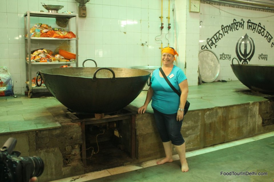 Sightseeing inside a charitable kitchen