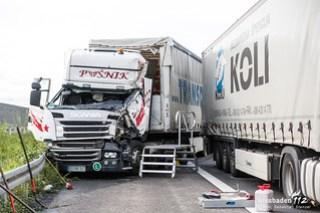 Unfall mit Gefahrgut-Lkw A3 Elz 12.10.17