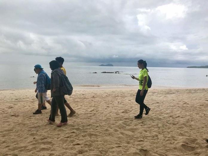 Teluk Kumbar youth hike