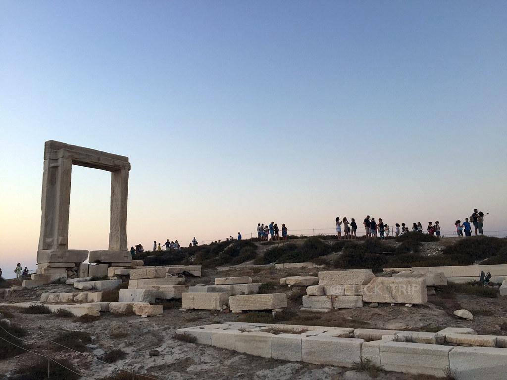 · Portara de Naxos ·