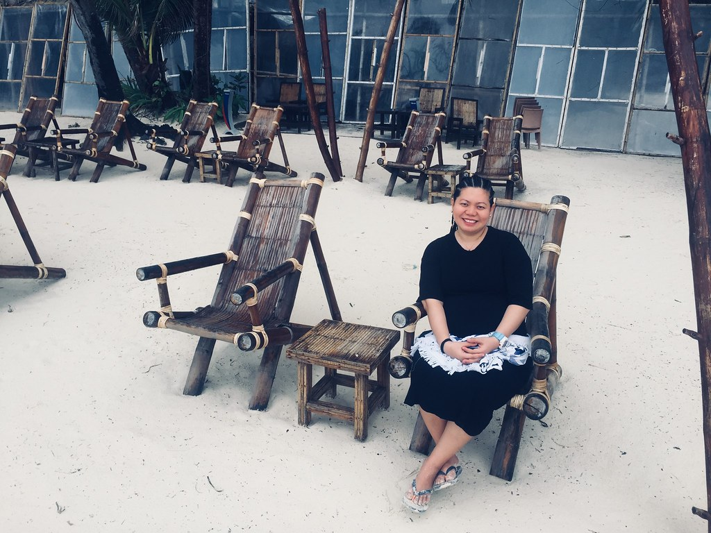 Relaxing-in-Boracay