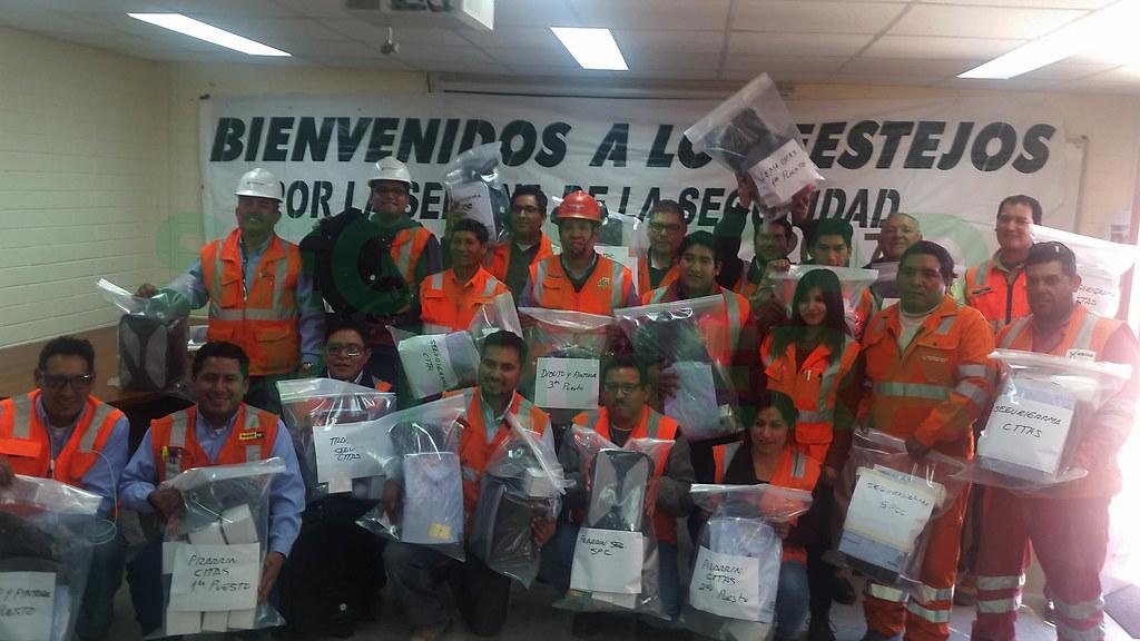 Ganadores de los concursos organizados como parte de la Semana de Seguridad