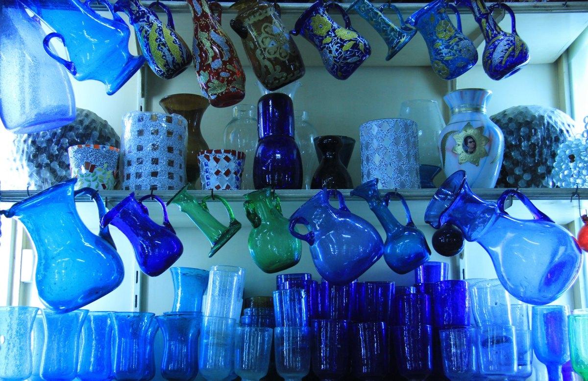 Shop selling glass ware at Khan el khalili market