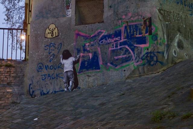 Париж, потрясающая граффити