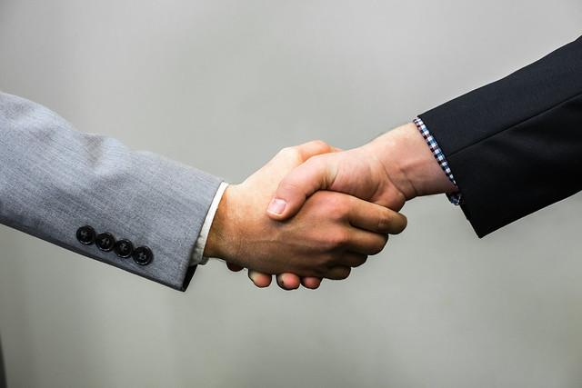 Handshake - Men