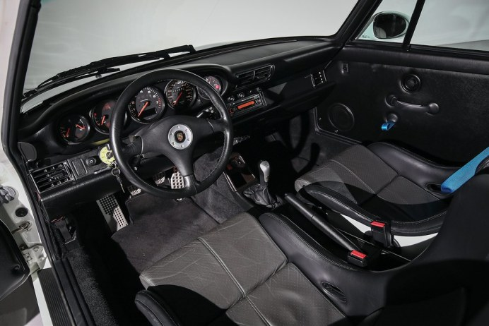Porsche-911-GT2-Auction-5