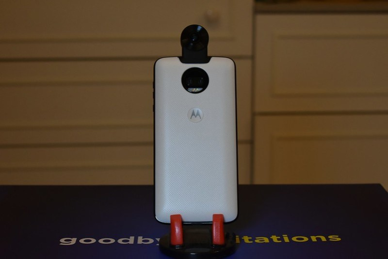 Moto Z2 force with Moto 360 camera - back panel