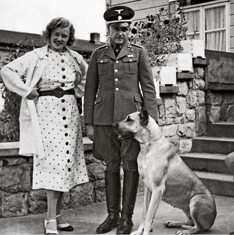 17k19 SS Col Karl Otto Koch, the commandant of Buchenwald, with his wife, Ilse CopyCorbys Uti 465