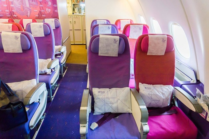 171203 タイ国際航空A380エコノミークラス2F