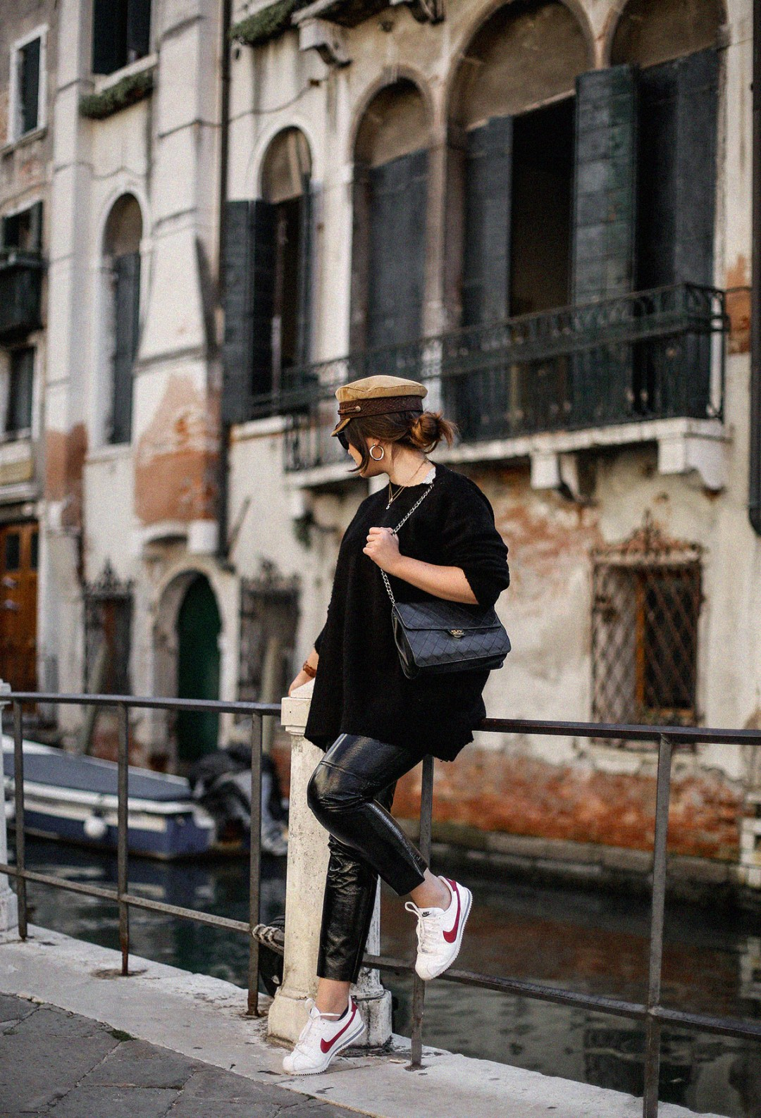 pantalon-charol-tendencia-look-en-venecia-myblueberrynightsblog4