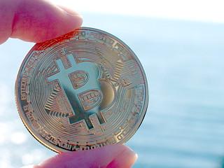 10_海とビットコイン
