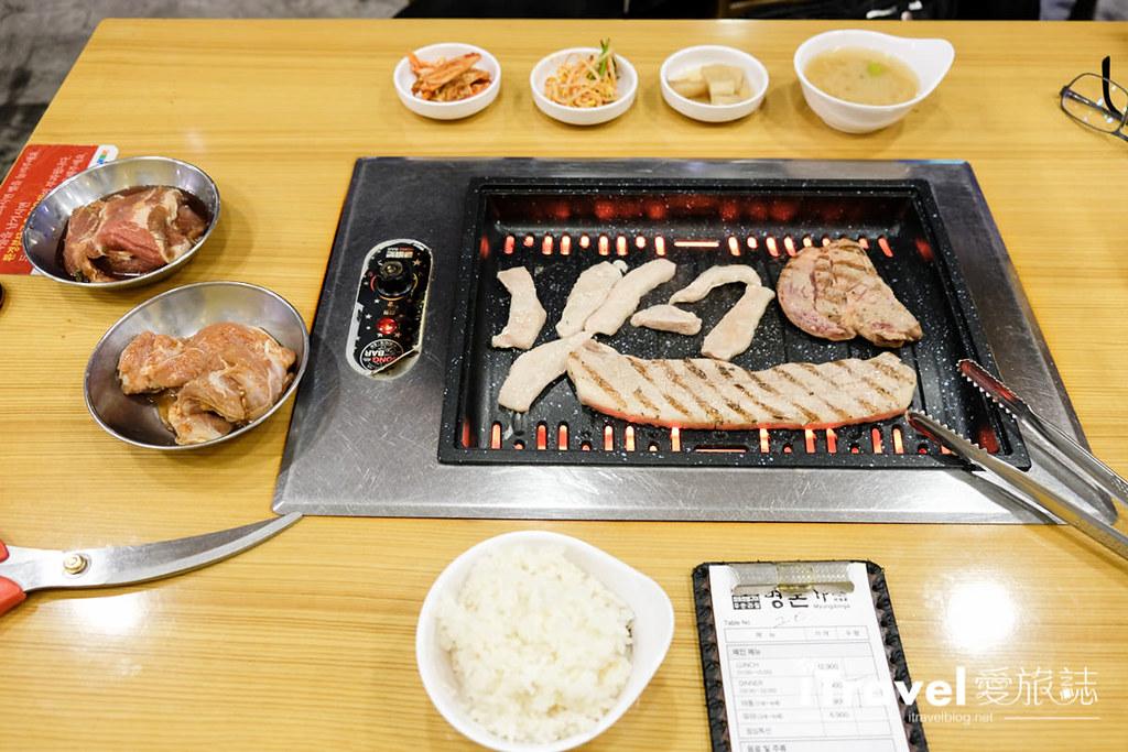 《首尔平价美食》Hongbar明豚家:无烟铁板韩式烤肉吃到饱