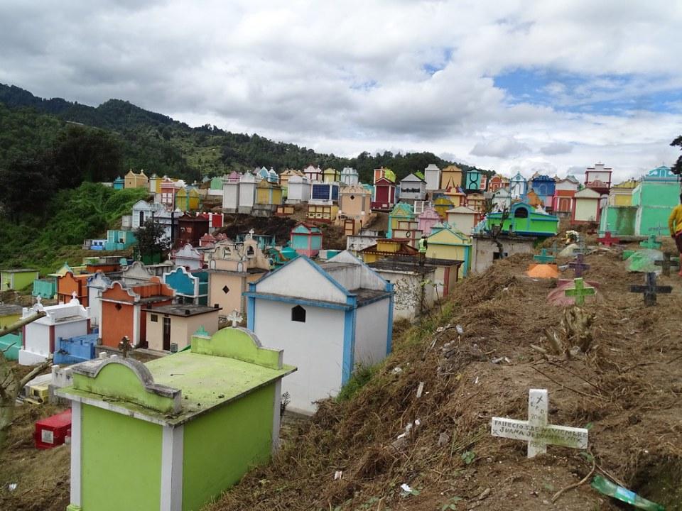 Chichicastenango Cementerio Guatemala 10