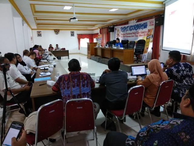 Muhammad Arbayanto saat menyampaikan materi dalam Rakor Persiapan Pencalonan Bakal Calon Gubernur dan Wakil Gubernur Jawa Timur Tahun 2018, Rabu (13/12)
