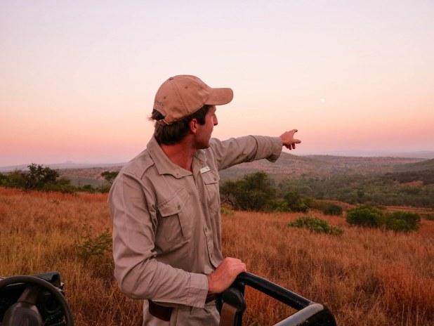 Ranger del safari fotográfico en Sudáfrica