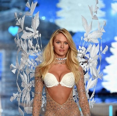 Candice-Swanepoel-vsfs-2015