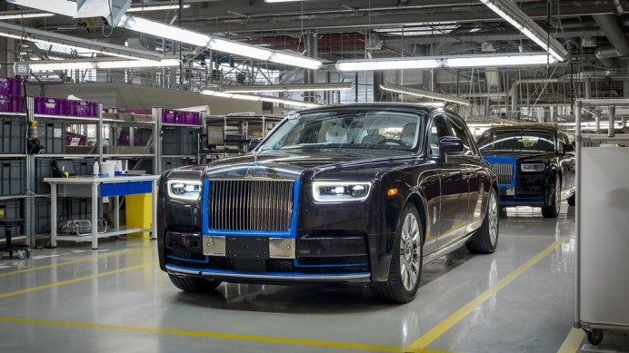 first-produced-2018-rolls-royce-phantom (1)
