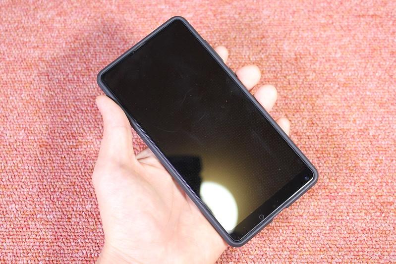 Xiaomi Mi Mix 2 の保護ガラスを貼る (14)