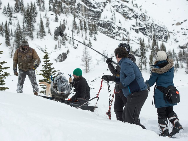 the mountain between us behind the scene