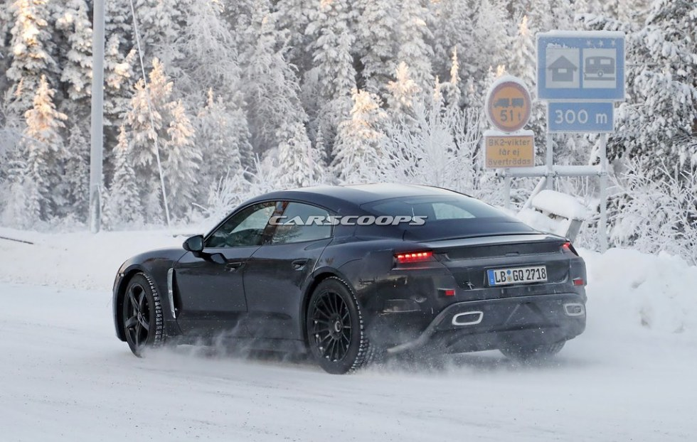 porsche-mission-e-winter-spy-6