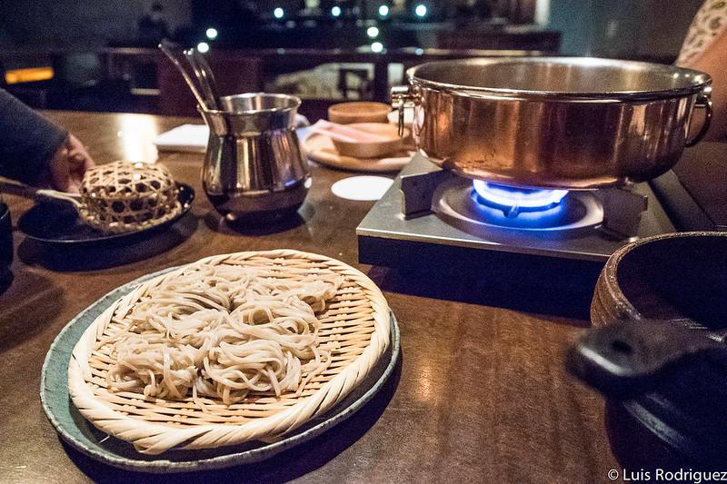 Final con soba del menú shabu-shabu en el estaurante Kasuke de Hoshinoya Karuizawa