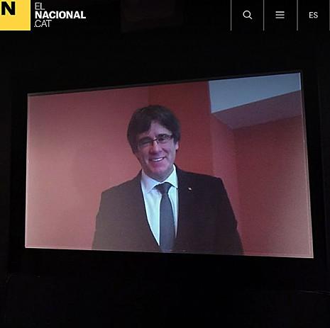 """17l15 Puigdemont busca una """"victòria esclatant"""" el 21-D per """"desplegar la república"""" Uti 465"""