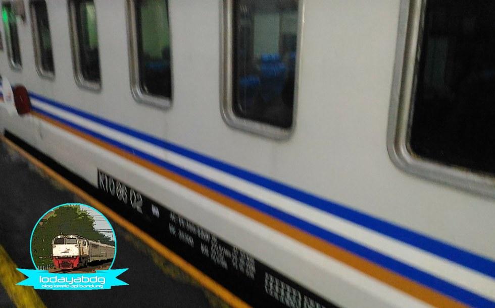 Review Sedikit Penomoran Gerbong Kereta Api (5/5)