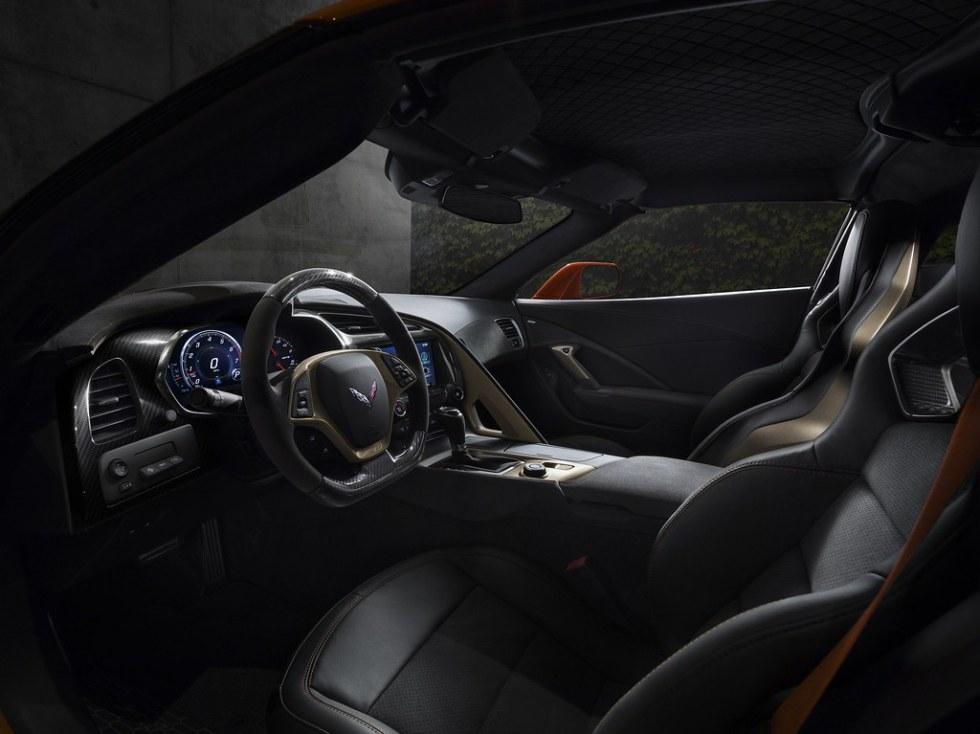 2019-Chevrolet-Corvette-ZR1-009